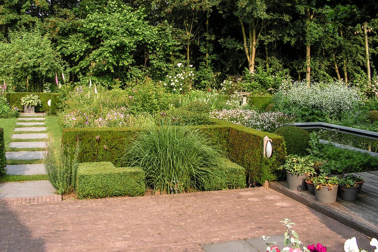 tuin-onderhoud-almervanbrenktuintechnieken.nl