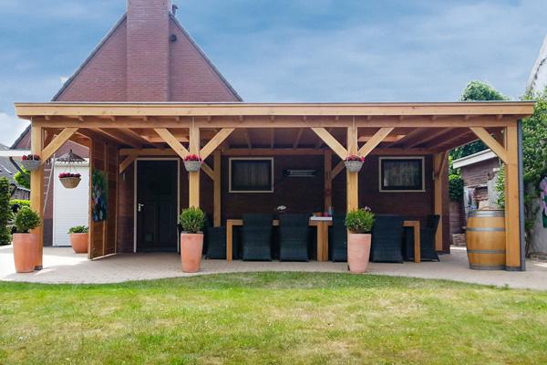 Hoveniersbedrijf van brenk tuintechnieken hovenier almere for Prijs veranda